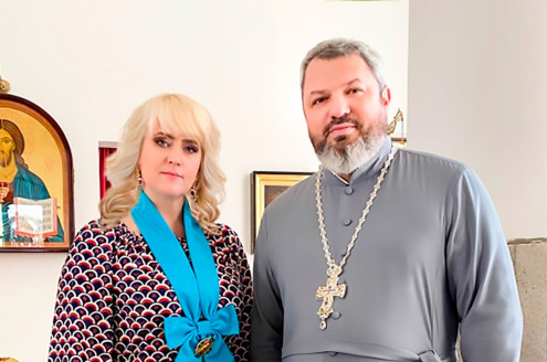 Митрополит Онуфрій нагородив Аллу Ландар орденом преподобного Агапіта Печерського
